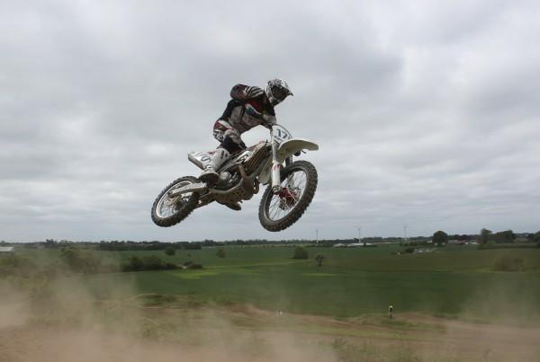 moto-cross-214928_1280